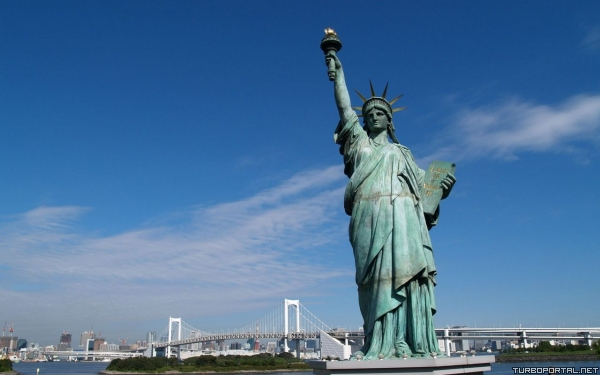 Статуя свободы — Statue of Liberty — Estatua de la libertad